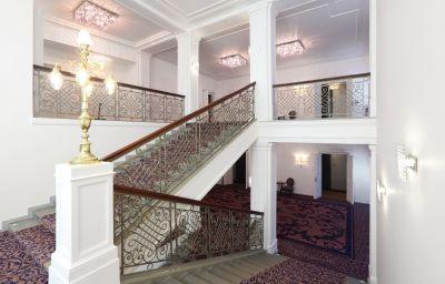 Interior del hotel Kings Court
