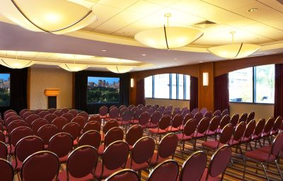 Crowne_Plaza_BOSTON_-_NEWTON-Newton-Conference_room-9-432071.jpg