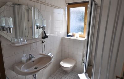 Jasmin_Pension-Rheinfelden-Bathroom-432229.jpg