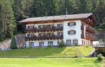 Exterior view Englhof Pension Achenkirch (Tyrol)
