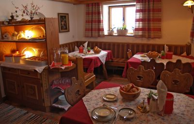 Garni_Ferwall-Galtuer-Breakfast_room-432899.jpg