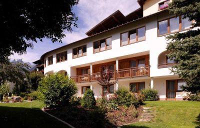 Exterior view Hotel Kreuz