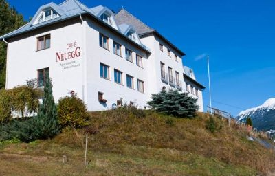 Exterior view Apart-Pension NEUEGG - Panoramacafé Ladis (Tyrol)
