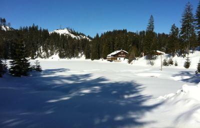 Freizeit-und_Fortbildungshaus_Frauensee_Huette-Lechaschau-Exterior_view-8-433629.jpg