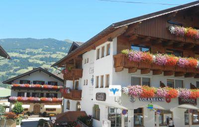 Aktivhotel_Central_mit_Landhaus_Central-Fuegen-Exterior_view-6-433645.jpg