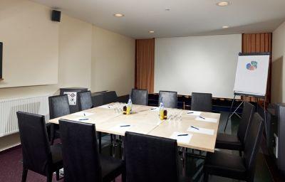 Hochfuegen-Fuegenberg-Conference_room-433674.jpg