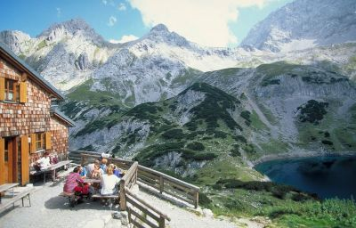 "Wellness/Fitness ""Alpenblick"" Pension Lermoos (Tyrol)"