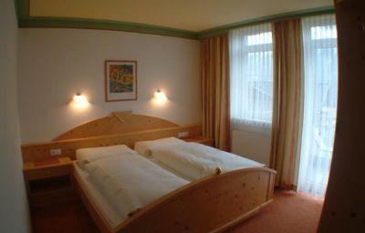 Appartementhaus_Pinnisblick_Pension_Roasthof-Neustift_im_Stubaital-Info-8-433850.jpg