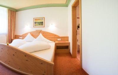 Info Appartementhaus Pinnisblick & Pension Roasthof