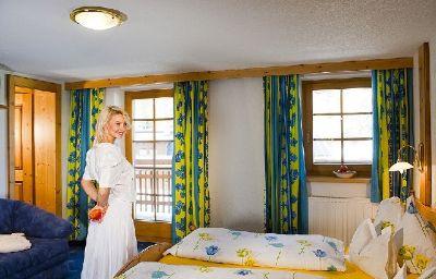Zwieselstein_Gasthof_Hotel-Soelden-Room-2-433928.jpg