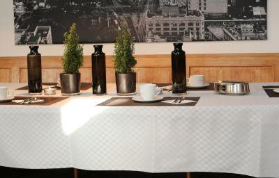Sala de desayuno Forelle
