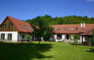 Bauernhof_Kuerbishof_Gartner_Ferienhaeuser_im_Weingarten-Fehring-Exterior_view-5-434797.jpg