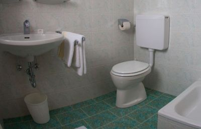 Haslgut-Fuschl_am_See-Bathroom-6-435583.jpg