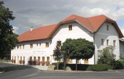 Schabschneider_Gasthof-Neulengbach-Exterior_view-8-435843.jpg