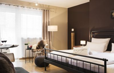 Single room (standard) Fritz Walter Weinhotel