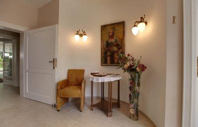 Hall de l'hôtel Gesundheitsfarm Villa Morgentau