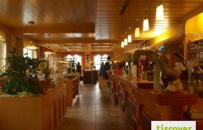 und_Pension_Blumauer_Gasthof-Rainbach_im_Muehlkreis-Restaurantbreakfast_room-1-437608.jpg