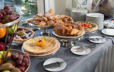 Bufet de desayuno Degli Aranci