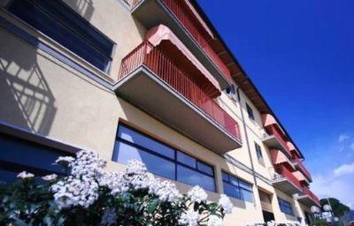 Valmarina-Calenzano_near_Florence-Exterior_view-2-438039.jpg