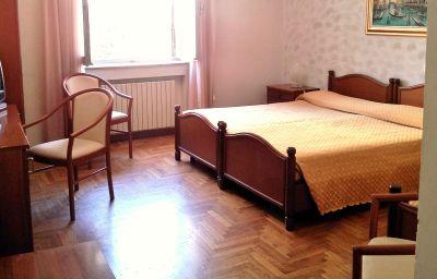 Doppelzimmer Komfort San Gabriele