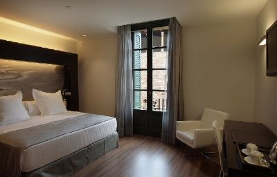 Catalonia_Catedral-Barcelona-Room-1-438950.jpg