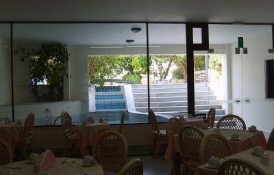 Petit-déjeuner buffet Yakinthos
