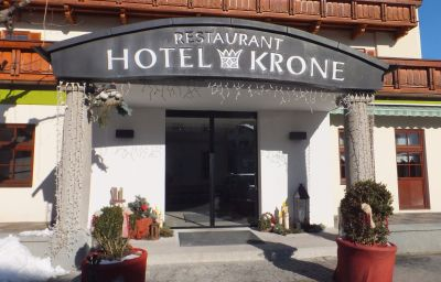 Exterior view Krone Oberperfuss (Tyrol)