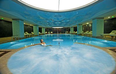 Swimming pool Ramada Plaza Antalya