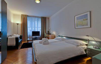 Jenatsch_Apartments-Zurich-Apartment-9-439436.jpg