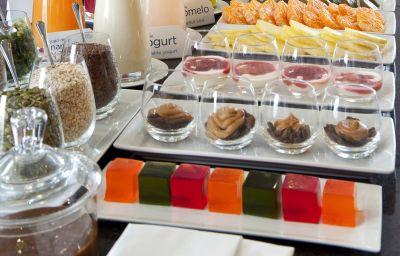 Bufet de desayuno NH Buenos Aires 9 de Julio