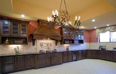 Comfort_Suites_AlamoRiver_walk-San_Antonio-Restaurant-5-443269.jpg