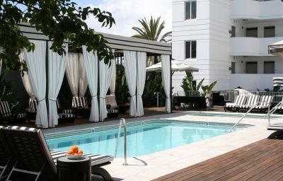 Piscine HOTEL SHANGRI-LA