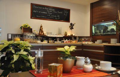 Kaiser_Landhaus-Abenberg-Breakfast_room-446131.jpg