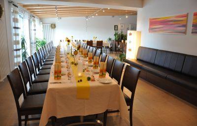 Kaiser_Landhaus-Abenberg-Restaurantbreakfast_room-446131.jpg