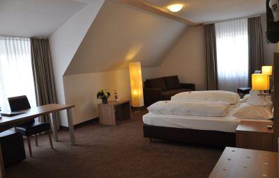 Kaiser_Landhaus-Abenberg-Family_room-446131.jpg