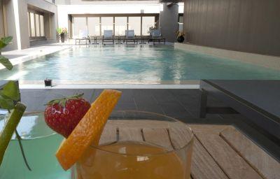 Swimming pool The Hub