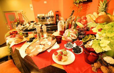 MiHotel-Milan-Hotel_bar-1-446532.jpg