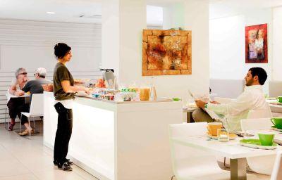 ibis_Styles_Menton_Centre-Menton-Hotel_bar-2-446535.jpg