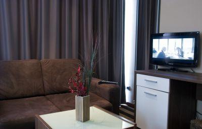 Balkan_Hotel_Garni-Belgrade-Double_room_standard-7-447273.jpg