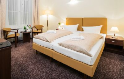 Chambre double (confort) Upper Room