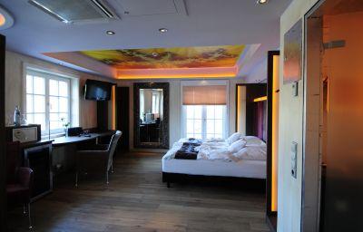 Landsknecht-Meerbusch-Double_room_standard-447624.jpg