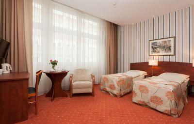 Gryf-Gdansk-Double_room_standard-1-447982.jpg