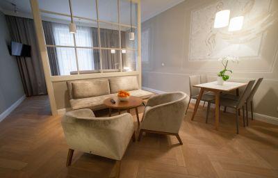 Bracka_6_Apartments-Krakow-Junior_suite-5-449400.jpg