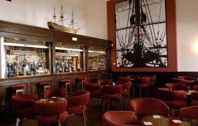 Royal_Maritime_Club-Portsmouth-Hotel_bar-450753.jpg
