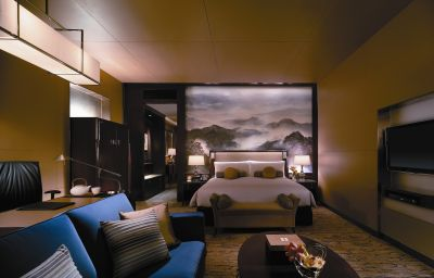 Shangri-La_China_World_Summit_WingBeijing-Beijing-Double_room_superior-451945.jpg