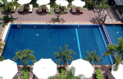 Royal_Empire-Siem_Reap-Pool-4-452833.jpg