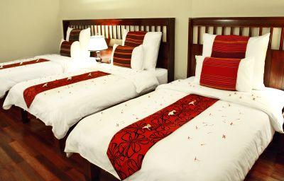 Royal_Empire-Siem_Reap-Triple_room-2-452833.jpg