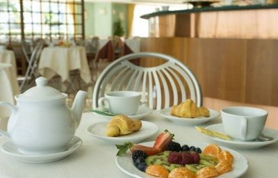 Miramare-Citta_SantAngelo-Restaurant-1-452949.jpg