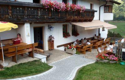 Riatschhof_Gasthof-Nauders-Terrasse-453030.jpg