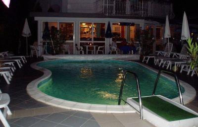 Swimming pool Villa Rosa